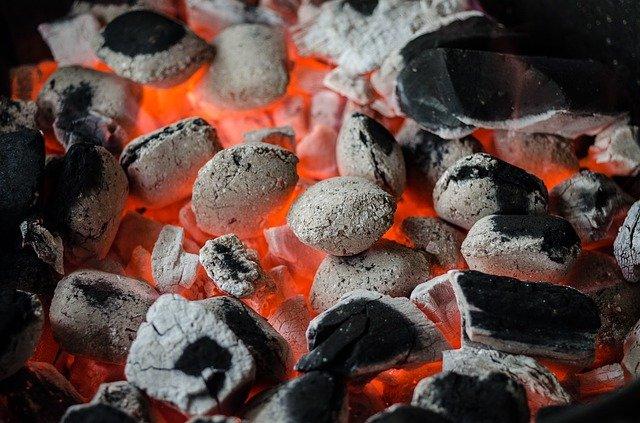 grillkohle glut